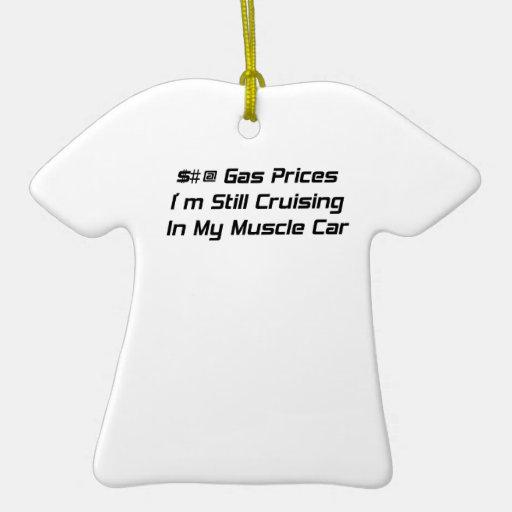 Los precios de la gasolina todavía estoy cruzando adorno navideño de cerámica en forma de playera