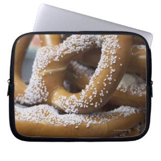 Los pretzeles enormes del vendedor ambulante de Nu Fundas Portátiles