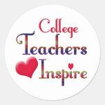 Los profesores de la universidad inspiran etiqueta redonda
