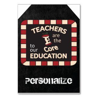 Los profesores enormes son la etiqueta del regalo