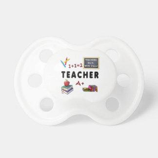 Los profesores lo hacen con la clase chupetes