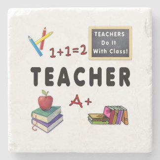 Los profesores lo hacen con la clase posavasos de piedra