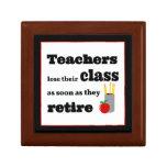 Los profesores pierden su clase en el retiro cajas de joyas