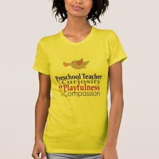 Los profesores preescolares hacen a niños un mundo camiseta