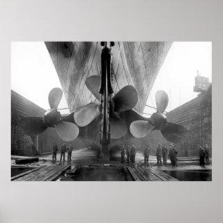 Los propulsores titánicos póster