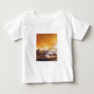 Los puentes, Newcastle sobre la camiseta del niño
