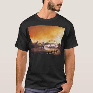 Los puentes, Newcastle sobre la camiseta negra de