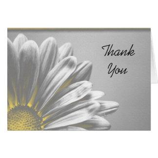 Los puntos culminantes florales amarillos le agrad tarjeta de felicitación