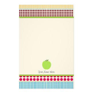 Los puntos multicolores Apple verde personalizaron Papeleria De Diseño