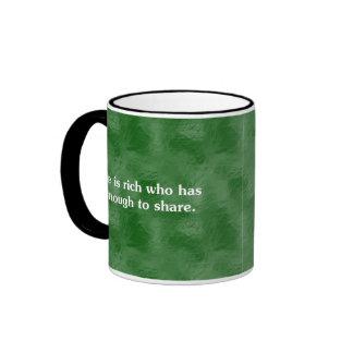 Los que comparten son el (2) más rico taza de dos colores