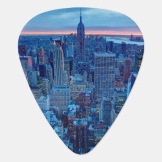 Los rascacielos de Manhattan se encienden Plumilla De Guitarra