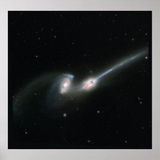 Los ratones (NGC 4676) - galaxias que chocan Póster