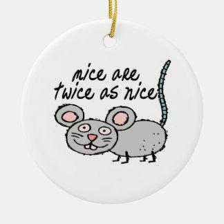 Los ratones son dos veces tan Niza Adorno Navideño Redondo De Cerámica