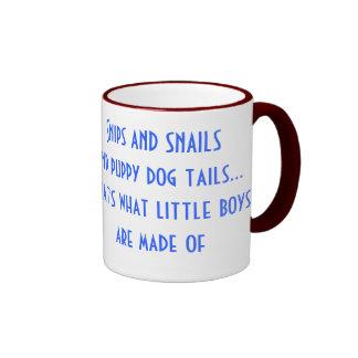 Los recortes y los caracoles y el perro de perrito tazas de café