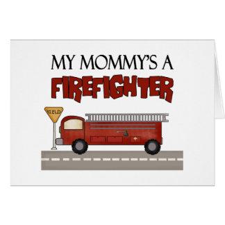 Los regalos de los niños del bombero de la mamá tarjetón