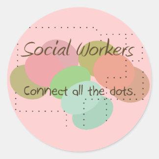"""Los regalos del asistente social """"conectan todos pegatina redonda"""
