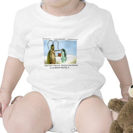 Los regalos divertidos del motel de la cucaracha d traje de bebé