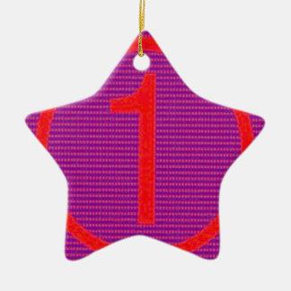 Los regalos para el primero de los ganadores de adorno de cerámica en forma de estrella
