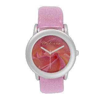 Los relojes añaden su personalizado color de rosa