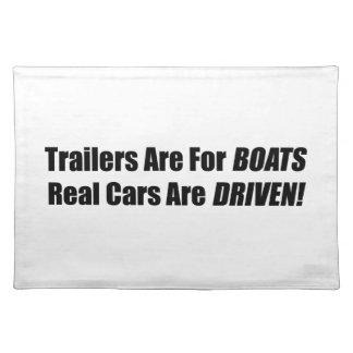 Los remolques están para los barcos que se conduce manteles individuales