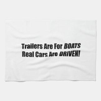 Los remolques están para los barcos que se conduce toalla de mano