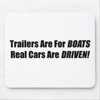Los remolques están para los barcos que se conduce alfombrilla de raton