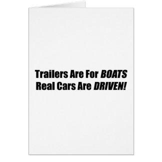 Los remolques están para los barcos que se conduce tarjeta