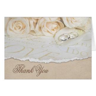 Los rosas blancos del boda le agradecen tarjeta pequeña