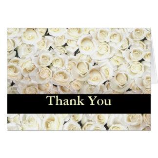 Los rosas blancos le agradecen cardar tarjeta pequeña
