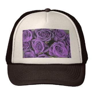 los rosas color de rosa púrpuras del ramo fechan gorro de camionero