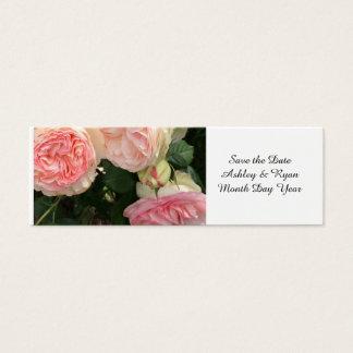 Los rosas rosados y poner crema ahorran la fecha tarjeta de visita pequeña