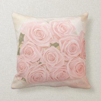 Los rosas son rosados mi amor cojín