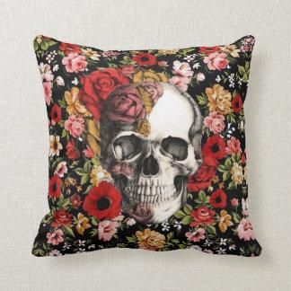 Los rosas y las amapolas retros florales con el cr almohada