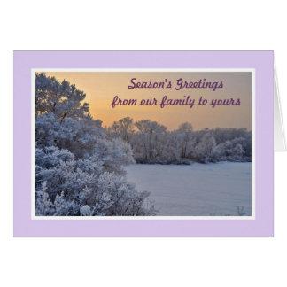 Los saludos de la estación de nuestra familia el tarjeta de felicitación