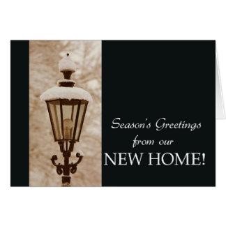 Los saludos de la estación de nuestro nuevo hogar tarjeta de felicitación