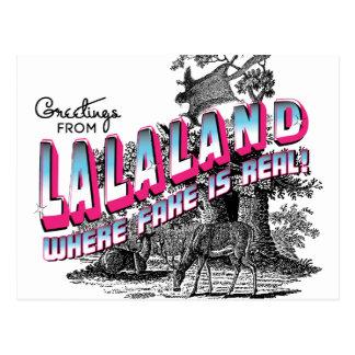 Los saludos de LALA ATERRIZAN - donde está real la Tarjeta Postal