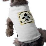 Los santos van a marchar adentro camiseta de perro