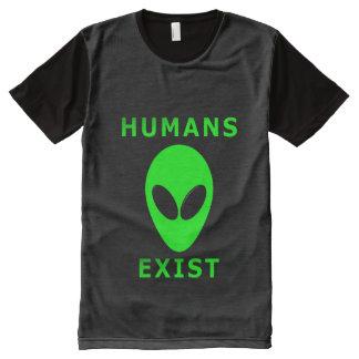 Los seres humanos existen por todo la camiseta