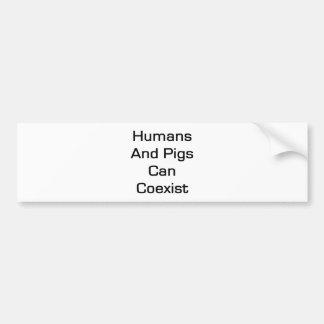 Los seres humanos y los cerdos pueden coexistir pegatina para auto