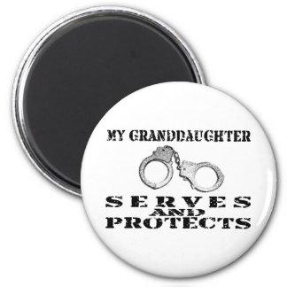 Los servicios de la nieta protegen - el gorra imán de nevera