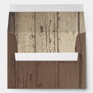 los sobres de madera del boda del granero rústico