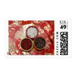Los sobres rojos con las semillas del melón sello