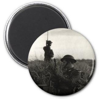 Los soldados polacos de WWII guardan la costa ingl Imán Redondo 5 Cm