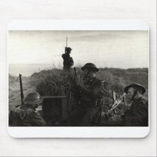 Los soldados polacos de WWII guardan la costa ingl Tapete De Ratón