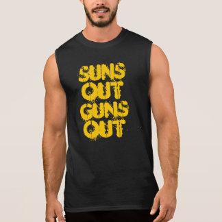 Los soles hacia fuera disparan contra hacia fuera  camiseta