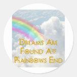Los sueños se encuentran en el extremo de los arco etiqueta redonda