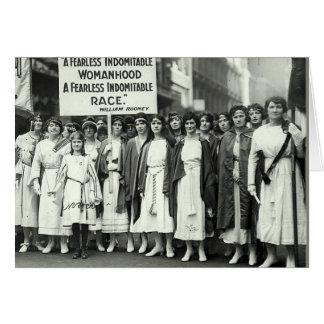 Los Suffragettes unen Tarjeton