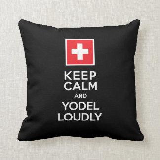 Los suizos Yodeler divertido guardan modo de canta Cojín