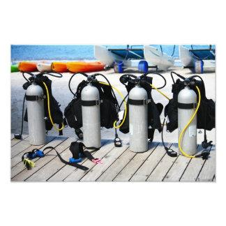 Los tanques del equipo de submarinismo del aire co