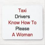 Los taxistas saben satisfacer a una mujer tapetes de ratones